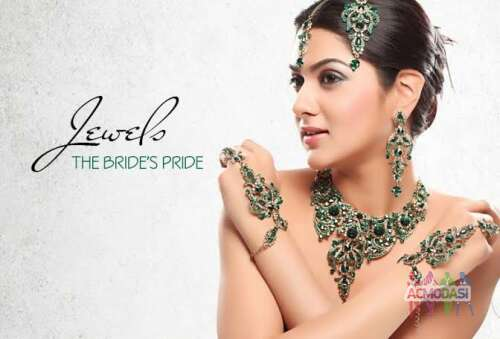 Wanted Female Models for Campaign shoot for ′Sri Kumaran Jewellery′